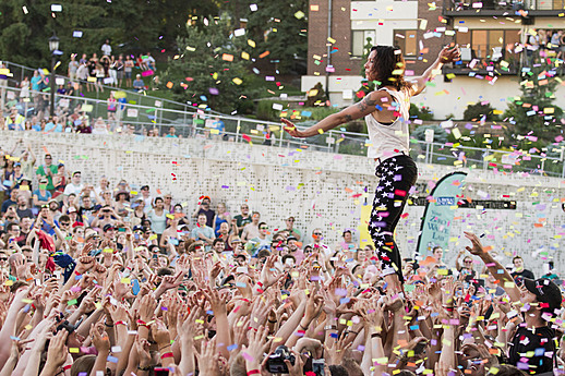 Matt & Kim perform at Rock the Garden 2014